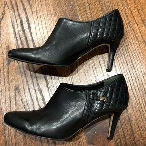 Cole Haan Grand O.S. Black heel bootie quilted sz8
